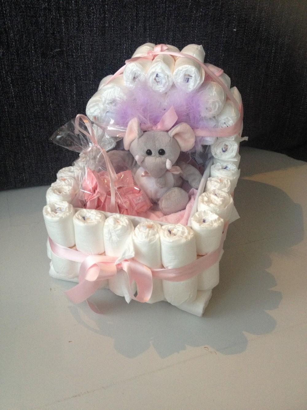 ... Baby Shower. Gaver - Pynt - Bleiekaker - Alt Til Baby Shower - Baby: www.dinbabyshower.no/produkt/bleiekaker/bleiekake-vogn