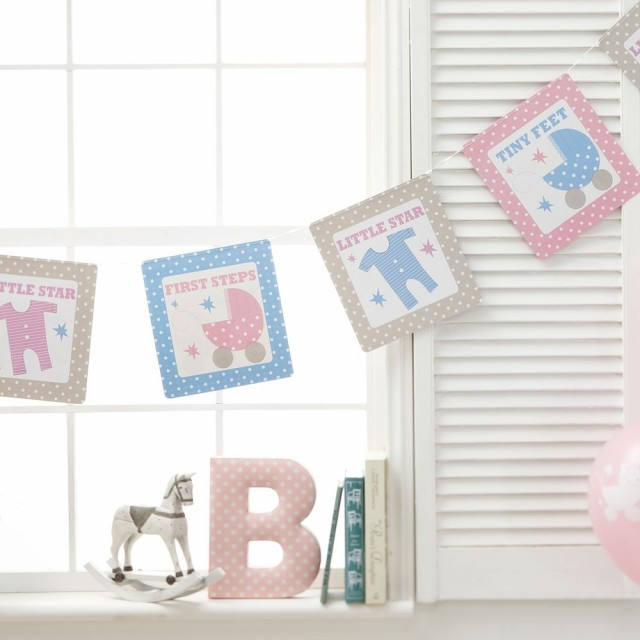 Tiny Feet Hengende Banner - Pynt til baby shower