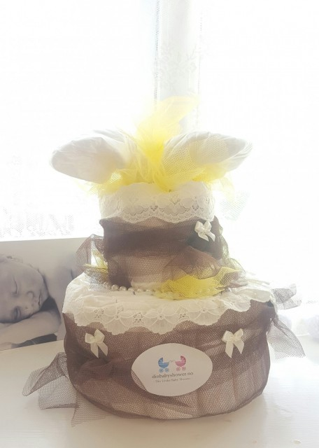 To etasjes gul/brun bleiekake - Baby shower